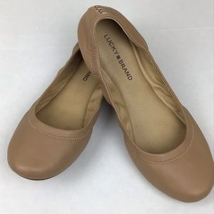 Lucky Brand tan flats in size 9.5